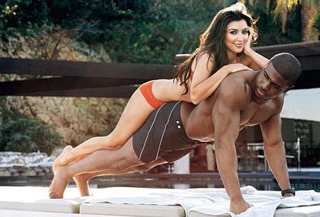 Kim Kardashian ile o dönemdeki sevgilisi Reggie Bush 2000'lerin başında GQ dergisine bu pozları verdi.