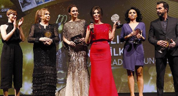 Türk Sinemasının 'En İyi 10'ları' Ödüllendirildi - 2