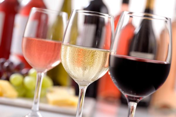 Şarapsever akrepler  Burç kuşağının en çekici burcu olarak bilinen Akreplere en uygun kurs tabii ki şarap kursu. Kurs programında, romantik aksam yemeklerinin vazgeçilmezi olan şarapların gizemli dünyasına konuk oluyorsunuz. Kurs, bronz, gümüş ve altın kademelerinden oluşuyor. Son kademe olan altına ulaştığınız zaman şarap kültürü adına her türlü bilgiye sahip oluyorsunuz. Haydi Akrepler, hem kültürünüzü artırıp hem de biraz çakır keyif olmaya ne dersiniz?