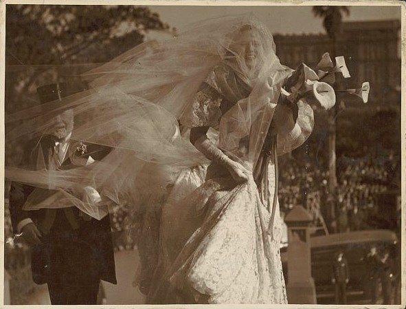 Eski Düğünlerden Nostaljik Gelinlik Modelleri - 25