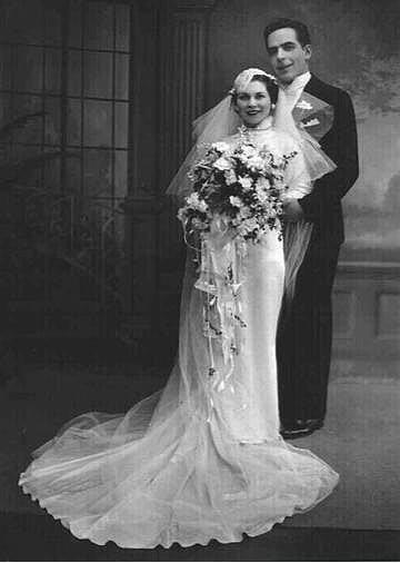 Eski Düğünlerden Nostaljik Gelinlik Modelleri - 31