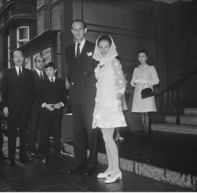 Eski Düğünlerden Nostaljik Gelinlik Modelleri - 23