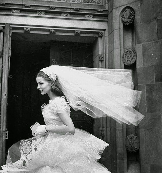 Eski Düğünlerden Nostaljik Gelinlik Modelleri - 9