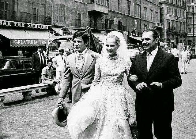 Eski Düğünlerden Nostaljik Gelinlik Modelleri - 14