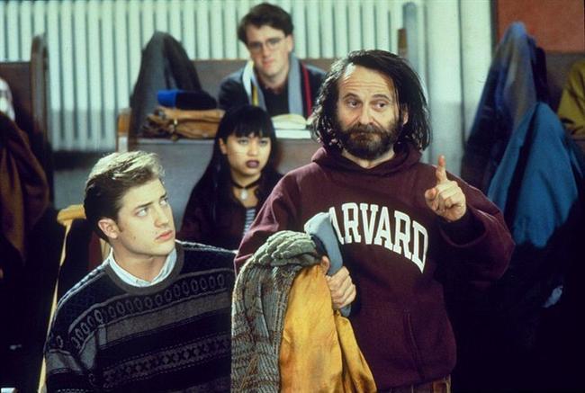 43. İnsanlık Yolu (1994) | IMDb: 6.7  Monty, Horward'da öğrencidir. Bitirme tezinin son kısmında bilgisayarı bozulur. Elinde tek kopya olduğundan fotokopiyle çoğaltmak için dışarı çıkar. Mazgaldan geçerken ayağı takılır ve tezi kütüphane binasının alt katına düşer. Almak için aşağı inen Monty, orada yaşayan evsiz Simon ile karşılaşır. Tezi okuyan Simon yazdıklarının saçmalık olduğunu düşünür ve Monty ile bir anlaşma yapar. Kendisine kalacak bir yer ve yemek verecek olan Monty ye her gün bunun karşılığında tezinden bir sayfa verecektir.