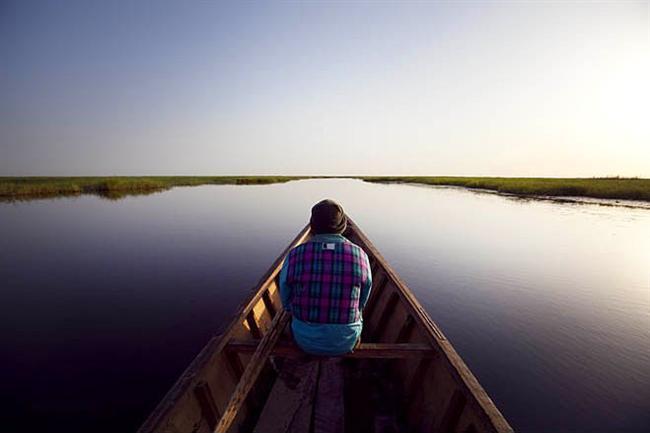 Çad Gölü, Çad, Kamerun, Nijerya, Nijer  Sahra çölünün kenarında bulunan ve çevresindeki 70 milyon insana su sağlayan Çad gölü zaten 1963-1998 yılları arasında hacminin %95'ini kaybetmiş durumda. Yağış rejimindeki değişiklik, aşırı kullanım, vb. sebepler yüzünden kuruma tehlikesiyle karşı karşıya ancak alınan tedbirler umut vadediyor.