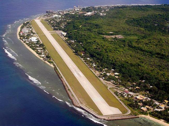 Nauru  Güney batı Pasifikte bulunan oval şekilli, dünyanın 2. en küçük ülkesi Nauru. Pasifikte bulunan diğer ada ülkeleri gibi, Nauru'da su seviyesinin yükseliyor olmasıyla batma tehlikesiyle yüz yüze.