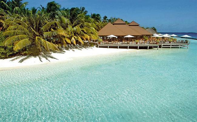 Maldivler  Denize gömülmesine sadece 1.5 metre kaldı! Maldivlilerin dünyanın ilk iklim mültecileri olacağı görüşü hakim.