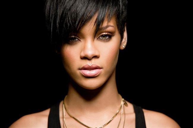 10. 2008'de çıkan Disturbia ve Take A Bow çalışmaları aynı anda müzik listelerinin tepesinde yer aldı ve Hot 100 rekoru kıran Rihanna dünya çapında büyük bir yıldız haline geldi.