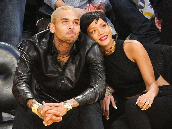 12. 2009'da Rihanna artık özel hayatıyla gündem malzemesi olmaya başlamıştı. 2009 Grammy Ödüllerine, Chris Brown'dan gördüğü şiddet sonrası hastanelik olması sebebiyle katılamamıştı. Brown bu olaydan sonra 6 ay hapiste yattı ve Rihanna'ya 50 metreden fazla yaklaşması yasaklandı.