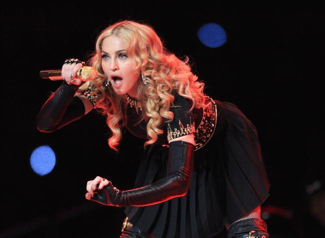 6. Ulaşabileceği en yüksek nokta 80'lerde kalmadı.  Madonna 80'lerde çok başarılı olmakla beraber bu başarısı o günlerle sınırlı kalmamıştır ve Madonna sürekli yoluna devam etmiştir. Örneğin ''Music'' albümü 15'ten fazla ülkede 1 numara olmuştur. Madonna müzik yaptığı müddetçe yükselmeye devam edecektir.