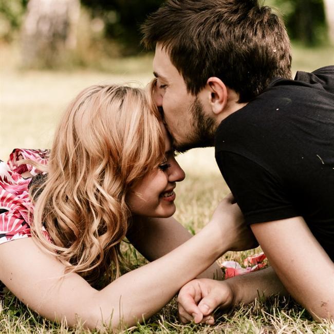 Aslan  Onu ancak kendi yüreği ile yönlendirebilirsiniz. Girişkenlik, paylaşılan anlardan gelecek mutluluklar ve asalette yücelme ihtimali onu cesaretlendirir. Eleştirmeye kalkmayın, göstermese bile içten kolayca kırılır. Mantıklı, özellikle sıcakkanlı ve dürüst olmaya çalışın. Sevdiklerinin kalbinde başka birisinin olma ihtimali onu derinden kıskandırır. Buna izin vermeyin. Sizi eleştirdiğinde artık öğrendiğinizi söyleyin.