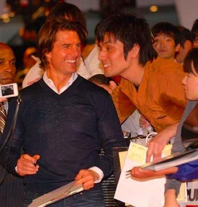 Tom Cruise'un koltuk altı teri adama doğru çekildiği bu an.