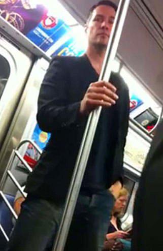 Halkın Arasına Karışan Metrodaki 30 Ünlü - 11