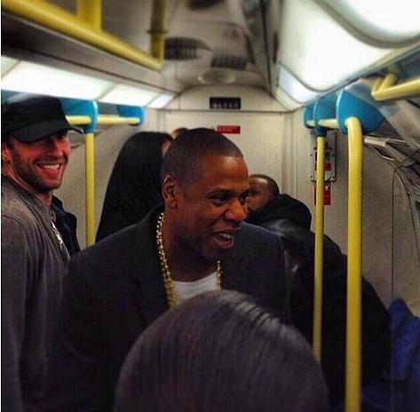 Halkın Arasına Karışan Metrodaki 30 Ünlü - 20