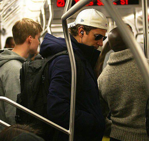 Halkın Arasına Karışan Metrodaki 30 Ünlü - 29