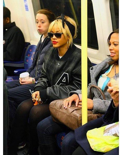Halkın Arasına Karışan Metrodaki 30 Ünlü - 3