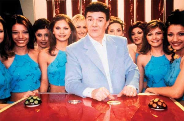"""13. Turnike  Güner Ümit'in sunduğu """"Turnike"""" yarışması ilk kez 1992'de ekrana gelmiş, birkaç yıl içinde yarışma klasikleri arasına giren program, Ümit'in Alevilere yönelik gafı sonrasında yayından kaldırılmıştı."""