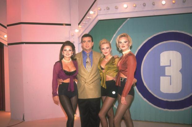 19. Seç Bakalım  Mehmet Ali Erbilli Çarkıfelek öncesi dönemde Türk Televizyonlarının vazgeçilmez yarışmalarından biriydi Yarışmacıların farklı kostümler giymesi dikkat çekerdi. Sunucu Erhan Yazıcıoğlu hosteslerden biri de Geri Halliwell idi.