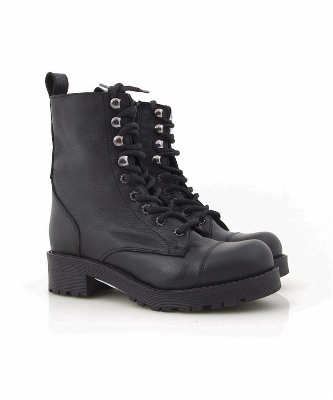 37. Postallar ve botlar  Dr. Martens markalı ayakkabıların altın çağı