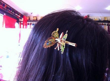 38. Kelebek konmuş gibi duran kelebek toka