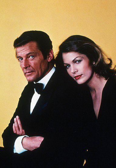 18. Lois Chiles