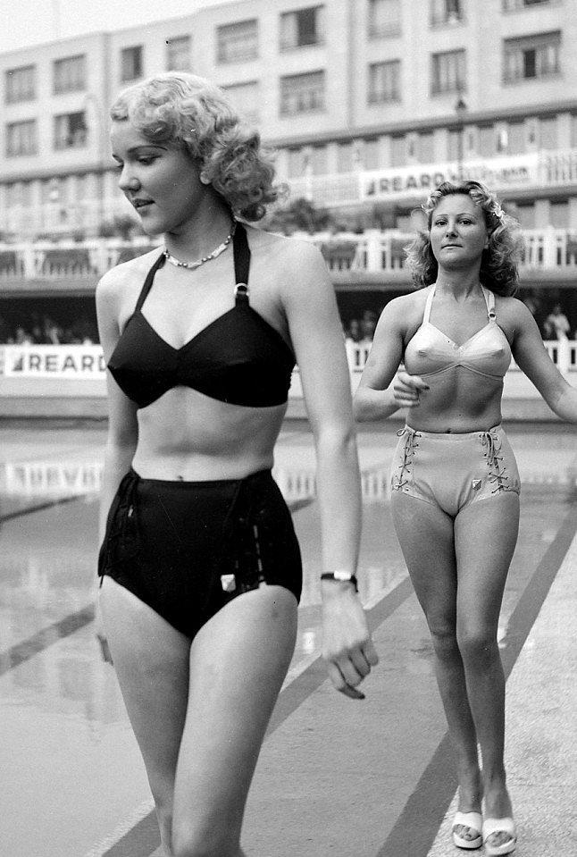 3. Örneğin bu yüksek bel bikini modelleri bu sene yeniden feci şekilde popüler