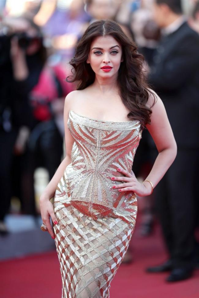 6. Aishwarya Rai  Hintli yıldız özellikle oriental tarzıyla Avrupa ve Amerikalı kadınların ilgisini çekiyor.
