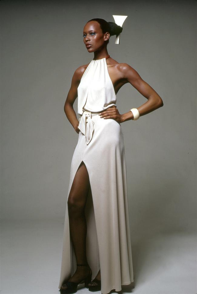 5. Naomi Sims  İlk siyahi model Naomi, moda dünyasında siyahi çekiciliğin simgelerinden oldu ve pek çok modacıya ilham verdi.