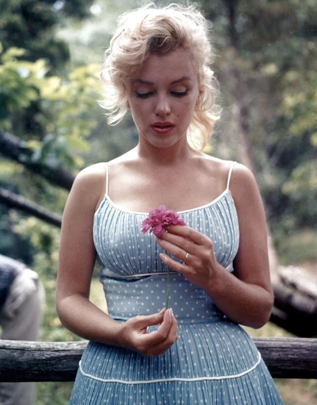 9. Marilyn Monroe  Böyle bir liste olur da Marilyn olmaz mı? Bir dönemin, 50′lerin son temsilcisi O.