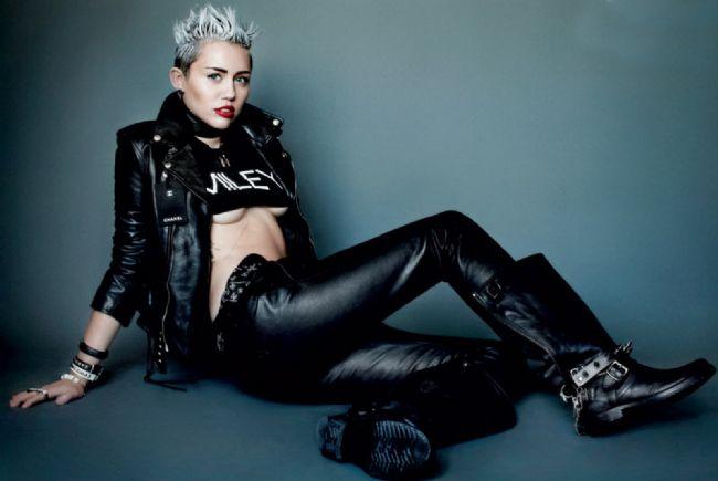 10. Destiny Hope Cyrus  Gerçek ismi Miley Cyrus değil, Destiny Hope Cyrus'dur. Ama bugün onu Destiny diye çağıran sadece büyükannesidir.
