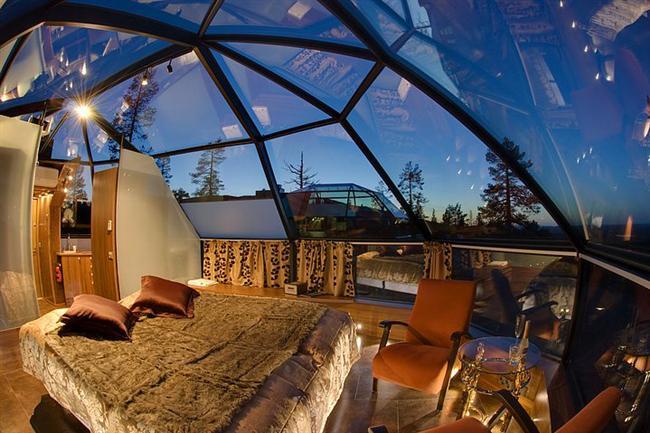 7. Cam tavanlı, yıldızlarla iç içe muhteşem bir yatak odası
