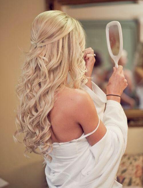 Başak  Sen, o kadar mükemmeliyetçi bir yapıya sahipsin ki, saçların için gereken özeni fazlasıyla gösteriyorsun. Saçlarını maskelerle şımartıyor, kırıklarını düzenli olarak aldırmayı ihmal etmiyorsun. Her sabah onları şekillendirmek için aynanın karşısında uzunca vakit harcıyorsun.