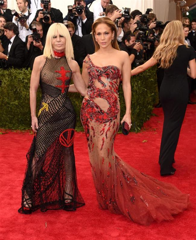Donatella Versace ve Jennifer Lopez