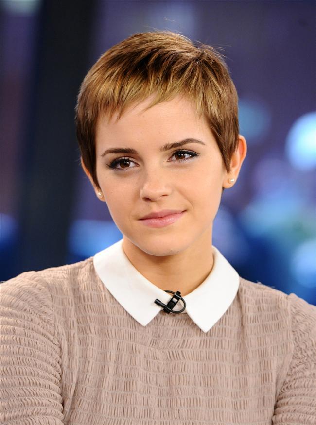 1- Emma Watson  Küçük Hermonie'miz kendine yeni bir stil yaratmışa benziyor fakat bu haliyle de mükemmel.