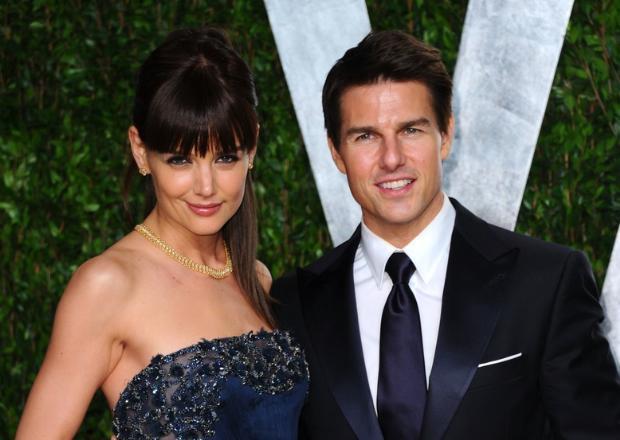 Katie Holmes, daha ekranda üne kavuşmadan çok zaman önce Tom Cruise'un bir hayranıydı. Ve daha o zamandan aktör ile evlenmeyi kafasına koymuştu.  Holmes bu isteğini yıllar sonra gerçekleştirdi. Ancak çiftin evliliği çok uzun ömürlü olmadı.