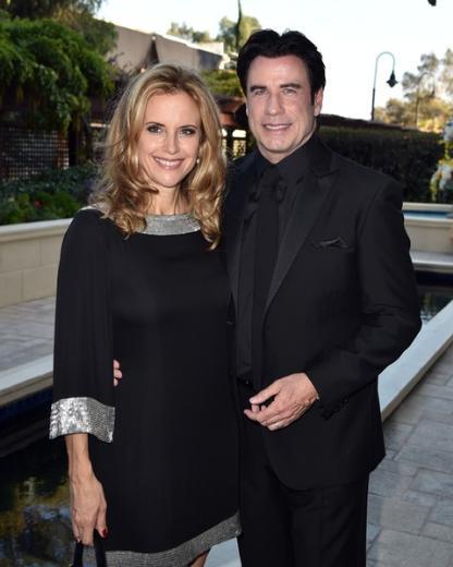 John Travolta da yıllar sonra kendisine hayran olan Kelly Preston ile evlendi.   Travolta karısıyla birlikte oynadıkları filmin setinde tanıştı. Ama Preston daha 16 yaşındayken onunla evlenmeyi çoktan kafasına koymuştu.