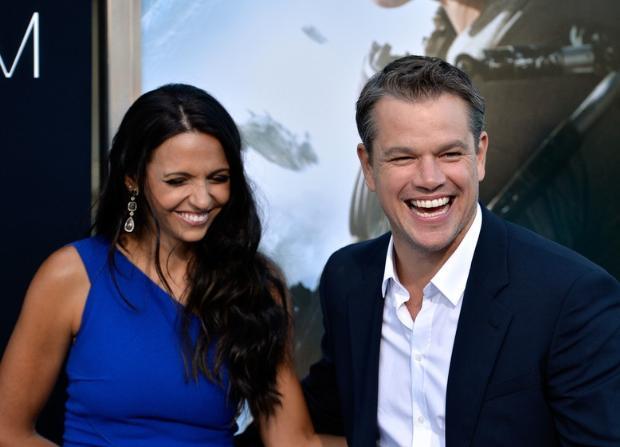 Luciana Bozan da hayranı olduğu aktörle evlenen şanslı kadınlardan. Matt Damon ile bir film çekimi için gittiği Miami'de tanıştı.   O sıralarda Bozan garsonluk yapıyordu. Damon'ın kalbini çaldı ve çift şimdi mutlu bir evlilik sürdürüyor.