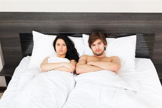 """4. Asla ama asla eski sevgilinizle tek gecelik ilişki yaşamayın!  """"Ben bildiğimi yaparım"""" diyorsanız, gecenin sonunda ilişkinizin neden yürümediğine dair ateşli bir tartışmaya girmeye hazır olun."""