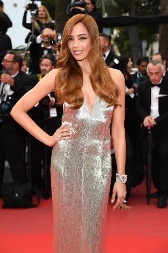 Dünyanın önemli festivalleri arasında yer alan 68. Uluslararası Cannes Film Festivali'ne önceki gün Azra Akın da katıldı.