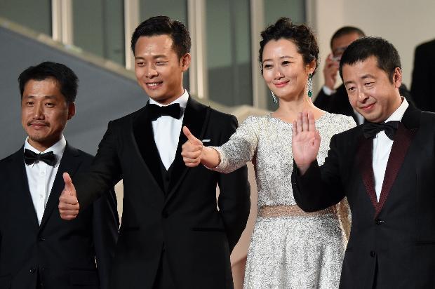 Çinli yönetmen Jia Zhang-Ke ile filmin oyuncuları Liang Jingdong, Zhang Yi ve Zhao Tao basın mesuplarına birlikte poz verdi.