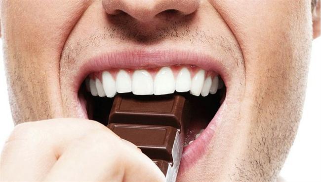 9. Diş Çürüğü  Belki inanmayacaksınız ama yapılan bir araştırma, kakao çekirdeğinde bulunan bir maddenin, diş çürümesine karşı koruyucu etkiye sahip olduğunu ortaya çıkardı.