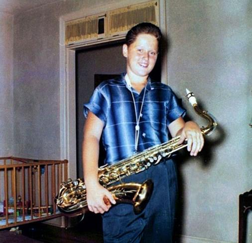 5.  12 yaşındaki Bill Clinton'ın saksafon çalışmalarından bir kare (1958)