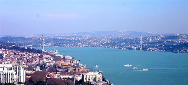 5. Boğaz turu yapın  İstanbul'un tadı en güzel denizde çıkar. Deniz kokusuna doya doya Ortaköy ve ya Eminönü'nden boğaz turu yapmanın bedeli 12TL.