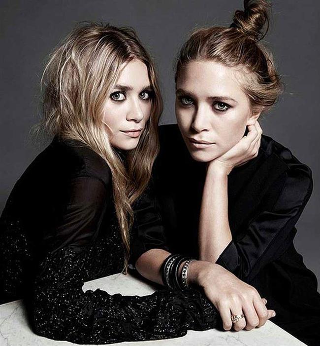 2. Yılın Kadın Giyim Tasarımcısı: Mary-Kate&Ashley Olsen, The Row  Olsen kardeşler daha bebekken ''Bizim Ev'' dizisi ile oyunculuk kariyerlerine başlamışlardı. Zamanla daha büyük projelerde çalışsalar da oyunculuklarından çok tarzlarıyla kendilerinden söz ettirdiler. Benzersiz ve kesinlikle oldukça şık bir çizgide olan zevklerini ''The Row'' adını verdikleri markalarıyla hayata geçirdiler. Tasarımlarıyla Anna Wintour'un da dahil oldu moda duayenlerinden tam not aldılar. İşte bu nedenle sonuna kadar hak ettikleri bu ödülü almaları kimseyi şaşırtmadı.