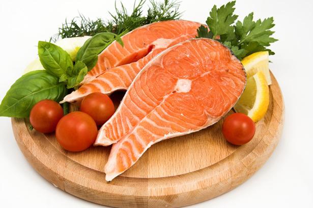 Daha bol balık, tavuk, peynir, fasulye ve yumurta yemelisiniz... Çünkü vücut için gerekli Omega 3 bu besinlerde bulunuyor. Bu hormon da beyindeki mutluluk merkezini harekete geçiriyor.