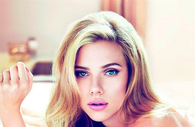 Scarlett Johansson  Ashkenazi Yahudilerinden,baba tarafından Danimarka,anne tarafından Polonya kökenli