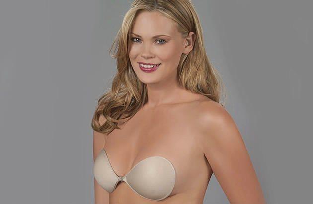 Silikon sütyen  Silikon sütyenler, içinde bulunan yapışkan madde sayesinde göğsünüze yapışıyor ve göğüslerinizi hafifçe yukarı doğru kaldırıyor. Sırtı açık elbiselerle rahatlıkla giyilen bu sityenlerin sıcak havalarda terleme yapması gibi küçük bir dez avantajı da olabiliyor.