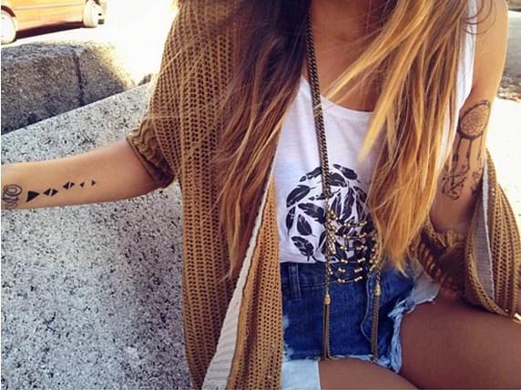 5. Modaya ayak uydurun. Ama unutmayın, üstünüzdekileri de güzel gösteren her zaman sizsiniz.