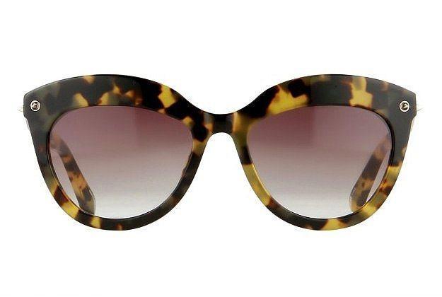 3-Kalın kenarlı gözlükler.
